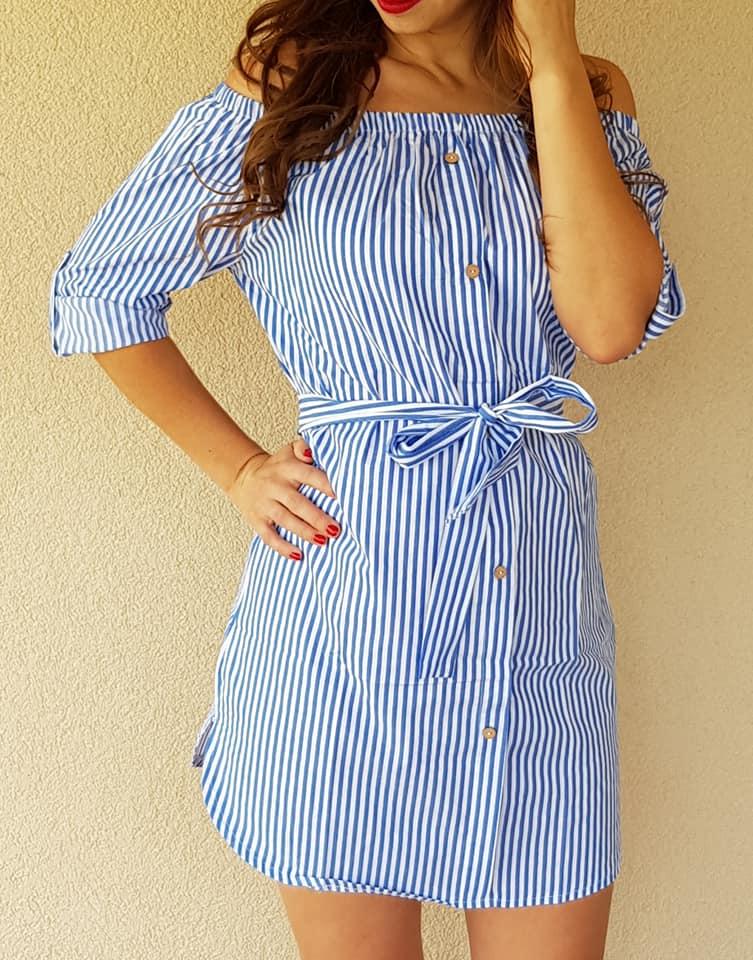 Pásikavé letné šaty s gombíkmi slabo modré b866730d9aa