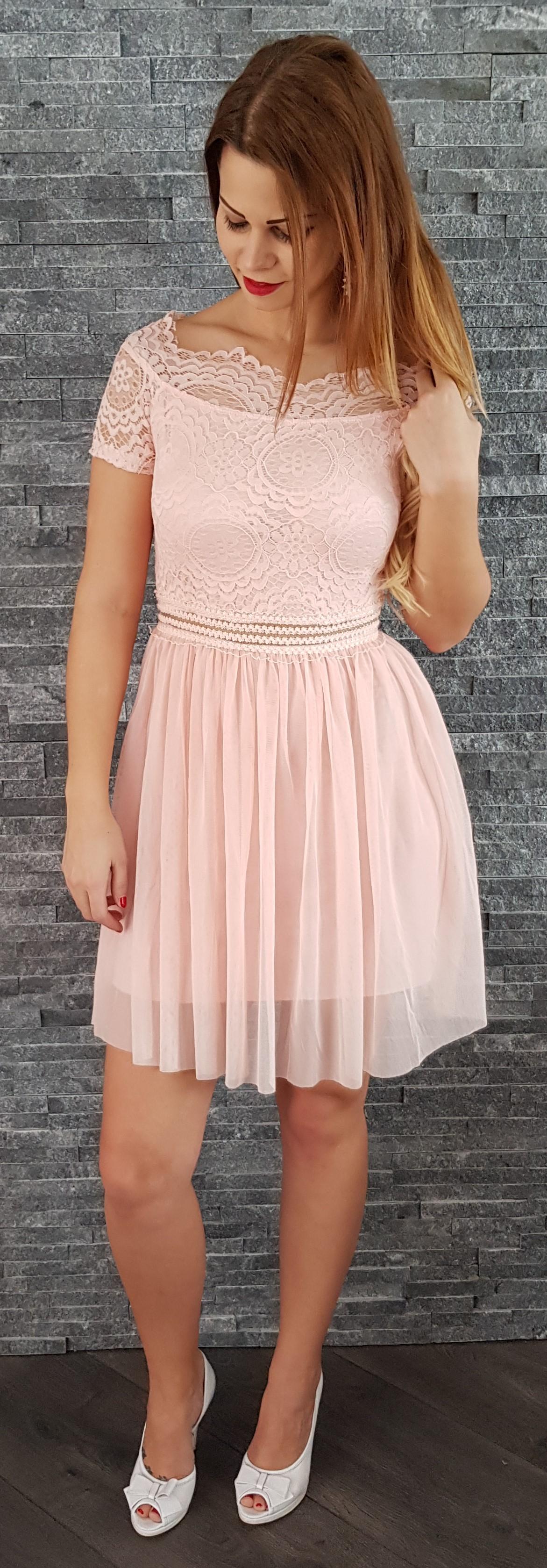 67526d71fd64 Romantické šaty s čipkou ružové