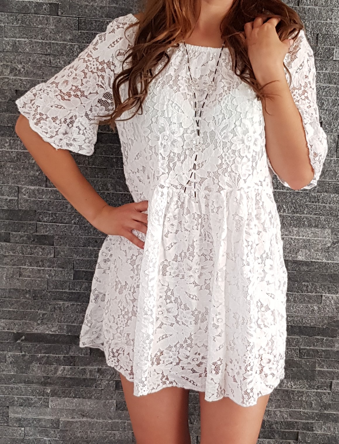 e5f062c36e3d Letné čipkované mini šaty biele