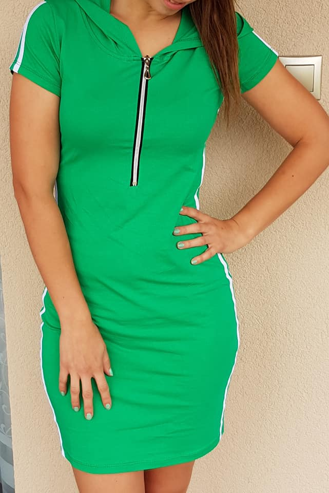a131bfe5d8f7 Športové šaty so zipsom zelené