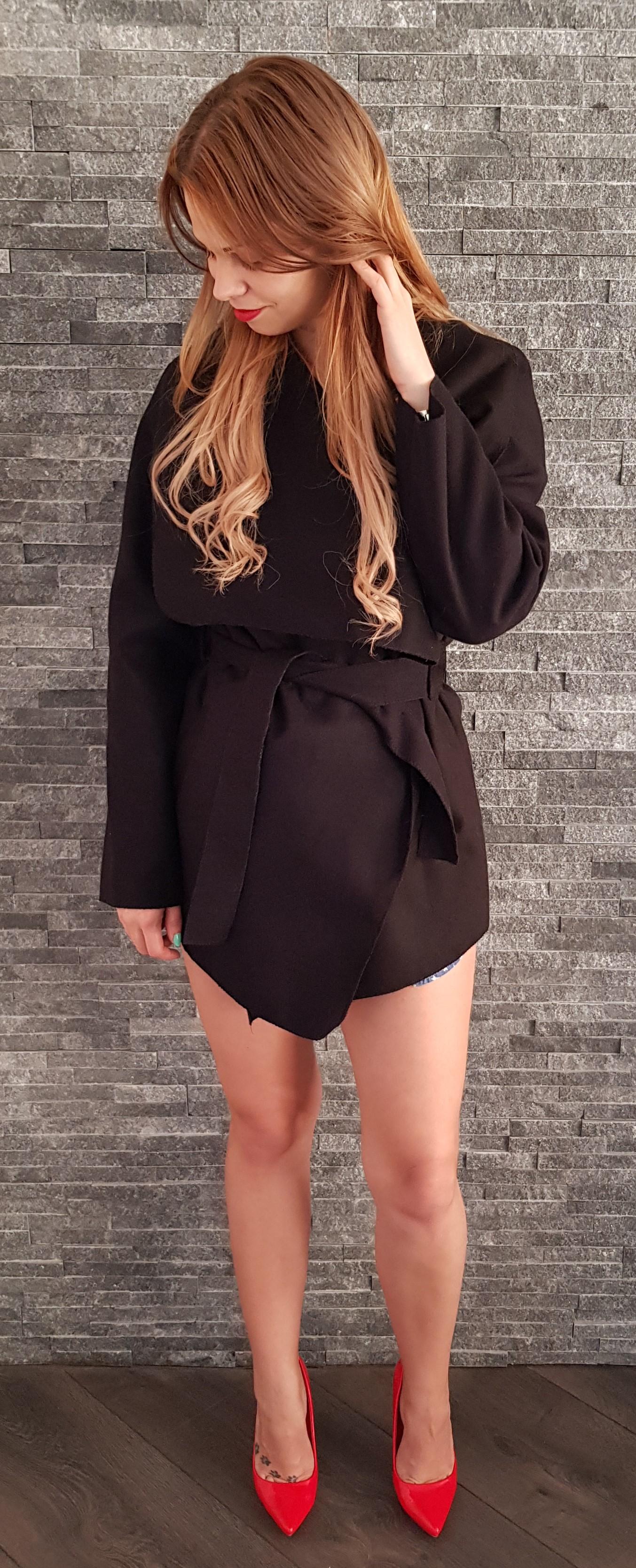 Čierny jarný kabát krátky 49f0a225d06