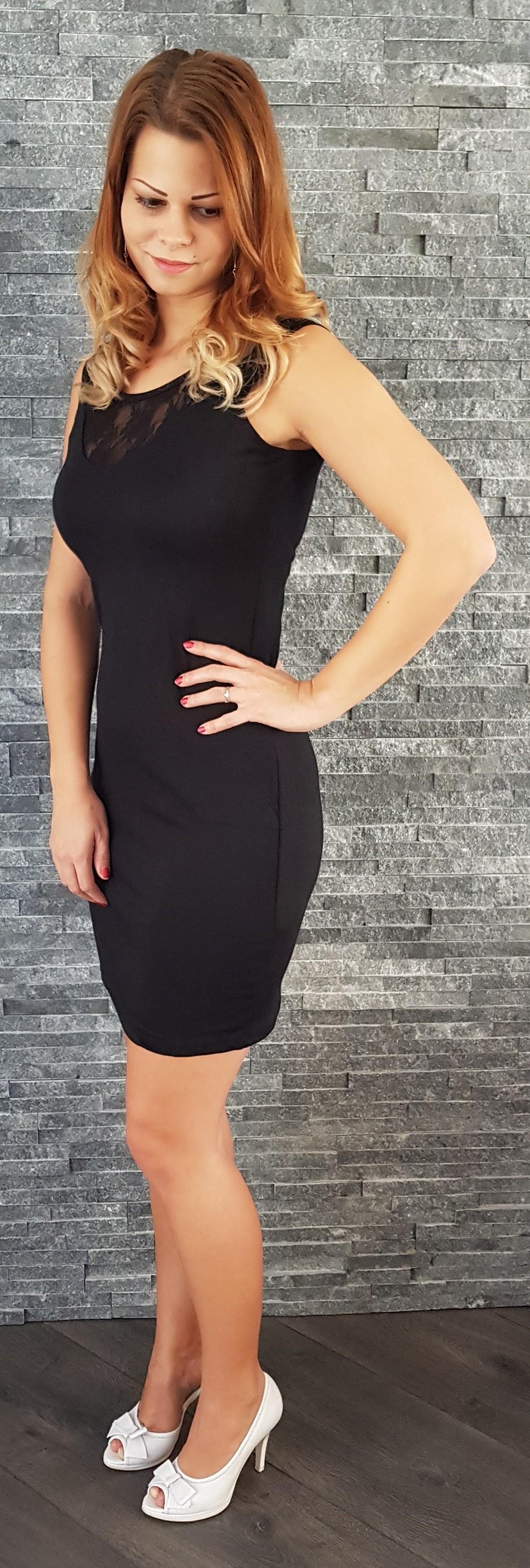 Čierne mini šaty s čipkou a3a125b9e68