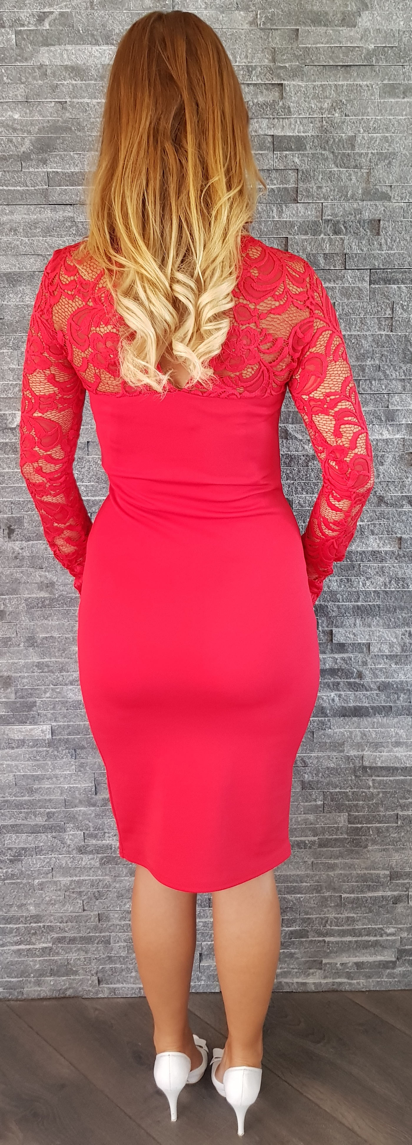 baf994e87666 UK Červené čipkované šaty Popoluška EUR 36