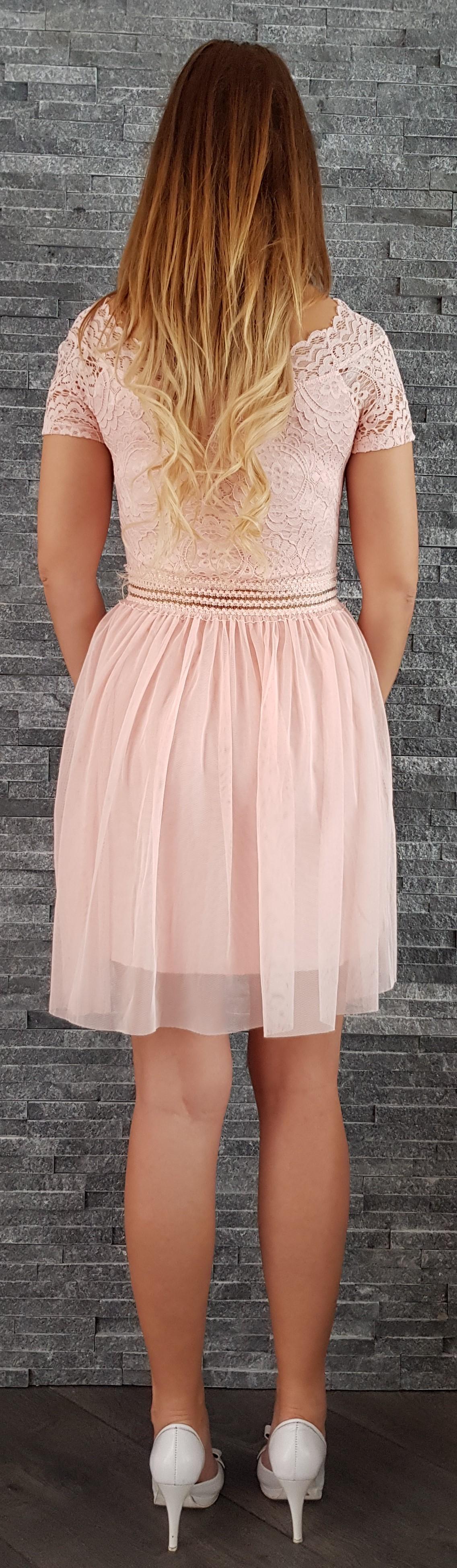 b31f866af167 Romantické šaty s čipkou ružové