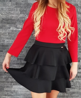 35f565cf75f9 Červené šaty s trojitou čiernou sukňou