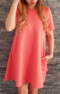 562f7cbe9326 COCOVIU Koralové oversized šaty